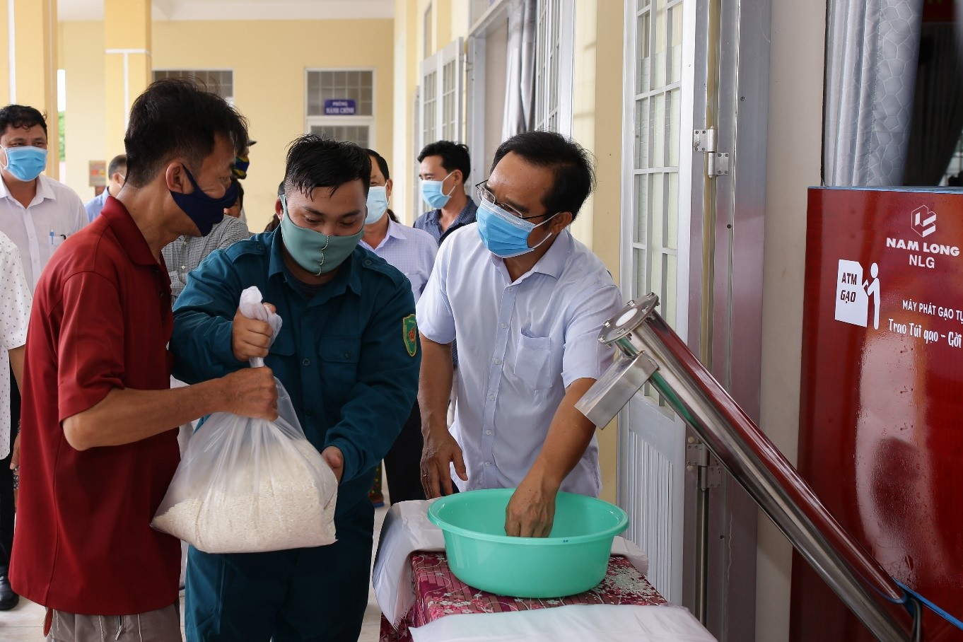 Tập đoàn Nam Long hỗ trợ hệ thống ATM gạo tại tỉnh Long An, tiếp sức cộng đồng cùng vượt khó 6
