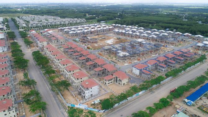Dự án Swanpark do Hòa Bình đảm nhận là nhà thầu chính dự kiến cất nóc ngày 10/08/2020
