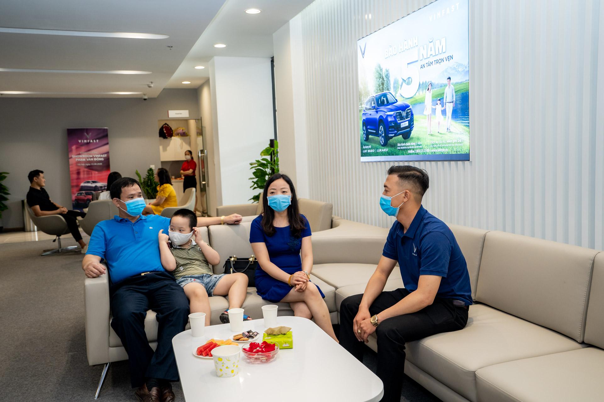 Cận cảnh showroom 3S lớn nhất Việt Nam của VinFast 2