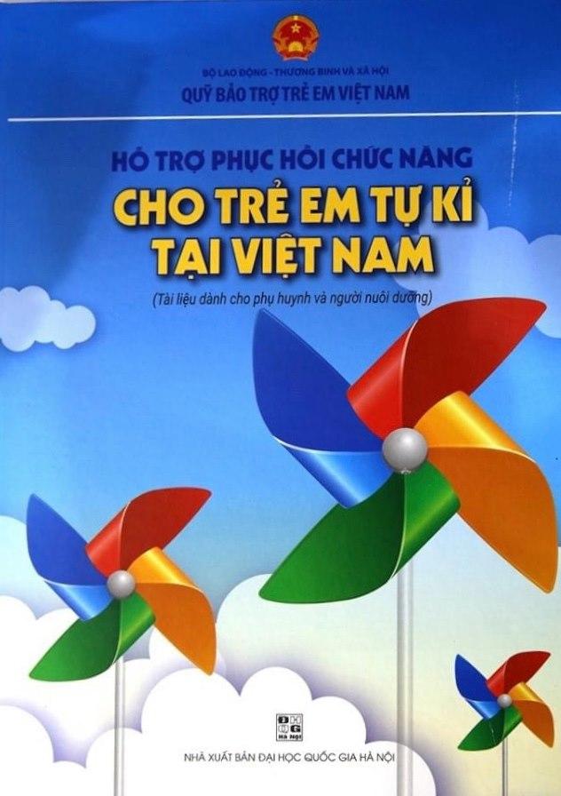 PNJ trao tặng cho các phụ huynh bộ tài liệu hỗ trợ và phục hồi chức năng cho trẻ em tự kỷ tại Việt Nam 3