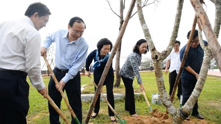 Vinamilk trồng cây tại các địa danh lịch sử mang lại giá trị tinh thần và lợi ích thiết thực 8