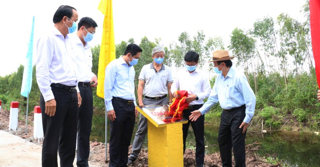 Nguyên Chủ tịch nước Trương Tấn Sang vận động hơn 600 tỉ đồng cho Long An 2