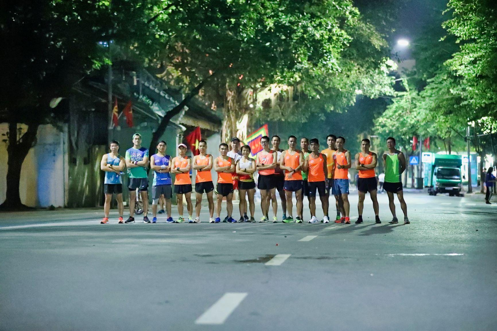 """Dàn pacers VPBank Hanoi Marathon ASEAN 2020 """"khuấy đảo"""" đêm thu Hà Nội 1"""