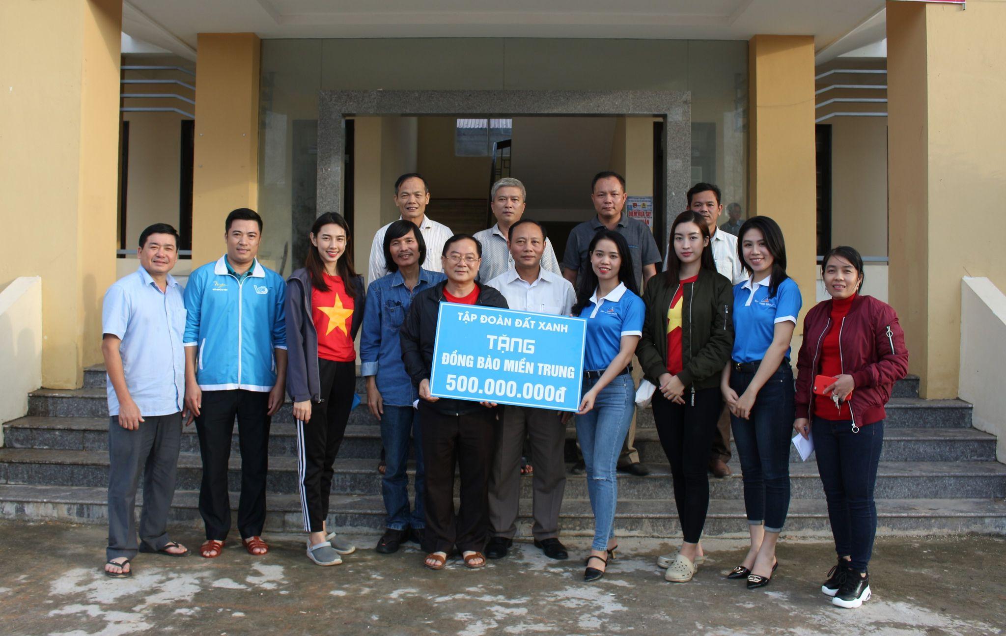 Tập đoàn Đất Xanh đã ủng hộ 500 triệu đồng đến người dân vùng lũ tại ba tỉnh Thừa Thiên Huế, Quảng Trị và Quảng Bình. Hình: DXG
