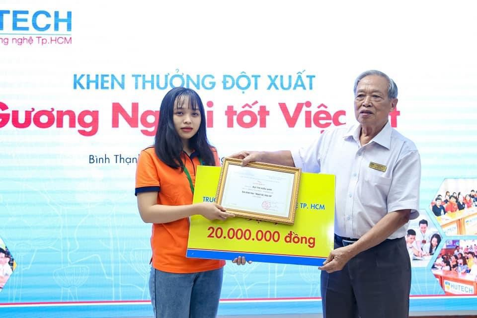 Nữ sinh Hutech được khen thưởng đột xuất vì hành động đẹp 1