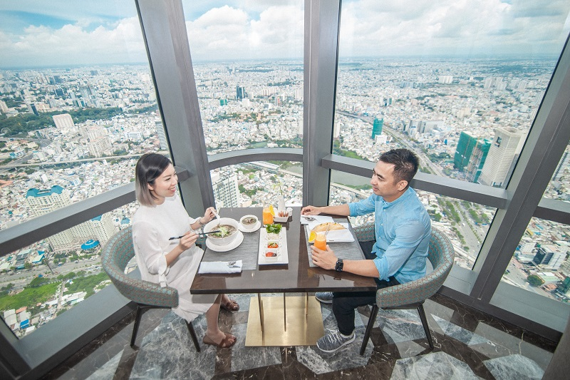 """Trải nghiệm khó quên tại khách sạn cao nhất Đông Nam Á của admin """"Nghiện nhà"""" Hà Linh 5"""
