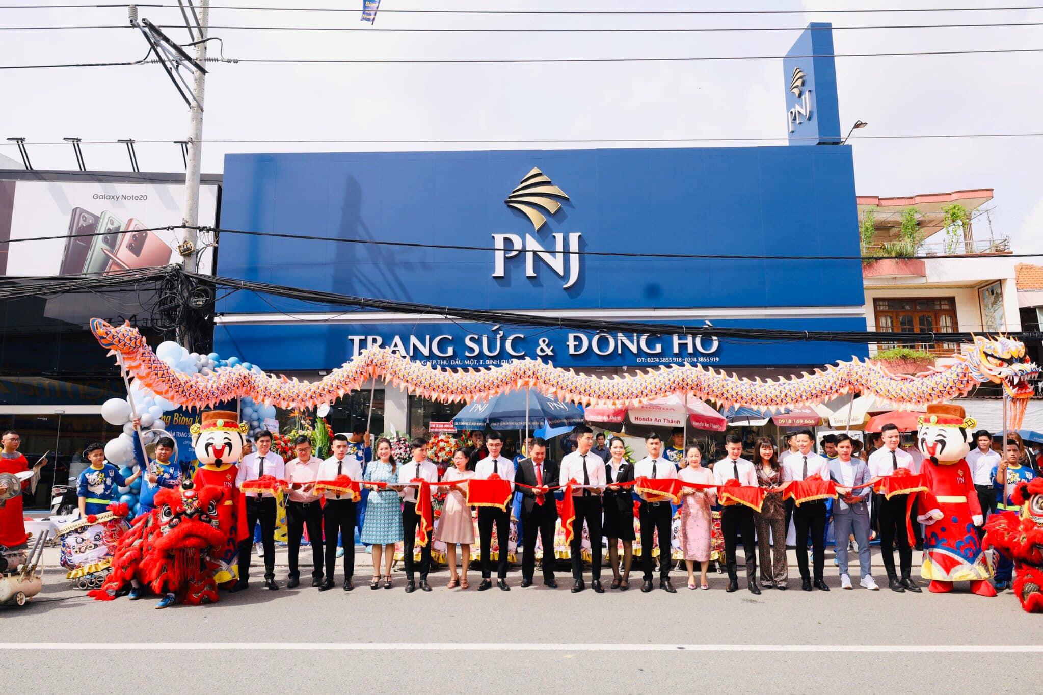 Lần đầu tiên mô hình PNJ Next và PNJ Center xuất hiện tại Bình Dương 2