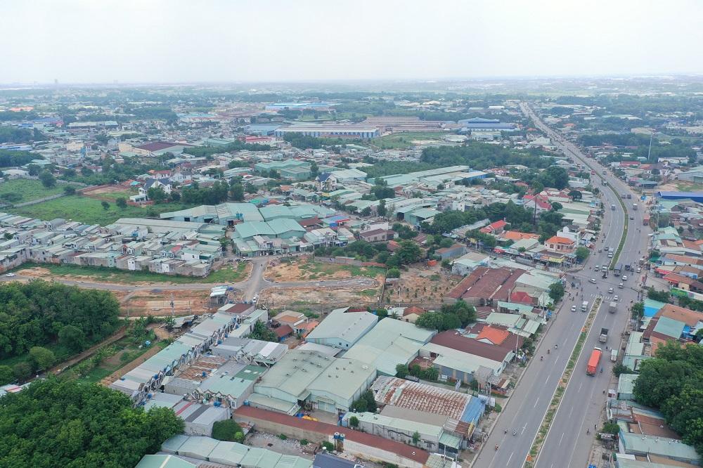 """Nhận thấy được tiềm năng của các khu vực ven TP.HCM, trong đó có Thuận An – Bình Dương, nhiều nhà đầu tư đã đổ xô về đây """"săn lùng"""" đất nền giá rẻ, đơn cử là dự án Hoàng Tiến Thuận An"""