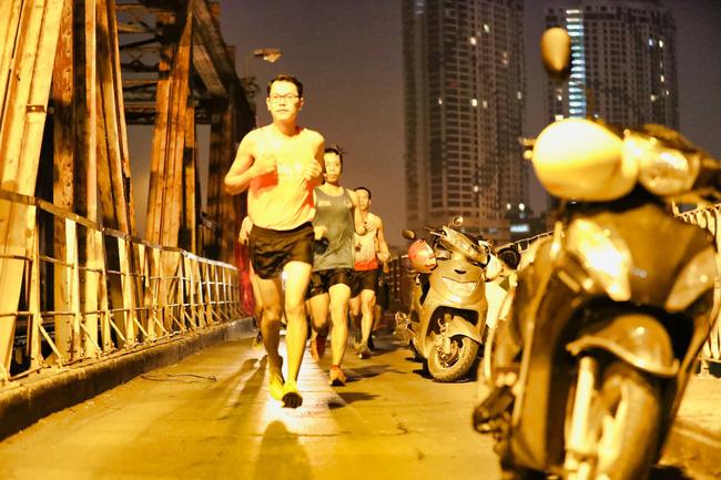 """Dàn pacers VPBank Hanoi Marathon ASEAN 2020 """"khuấy đảo"""" đêm thu Hà Nội 6"""