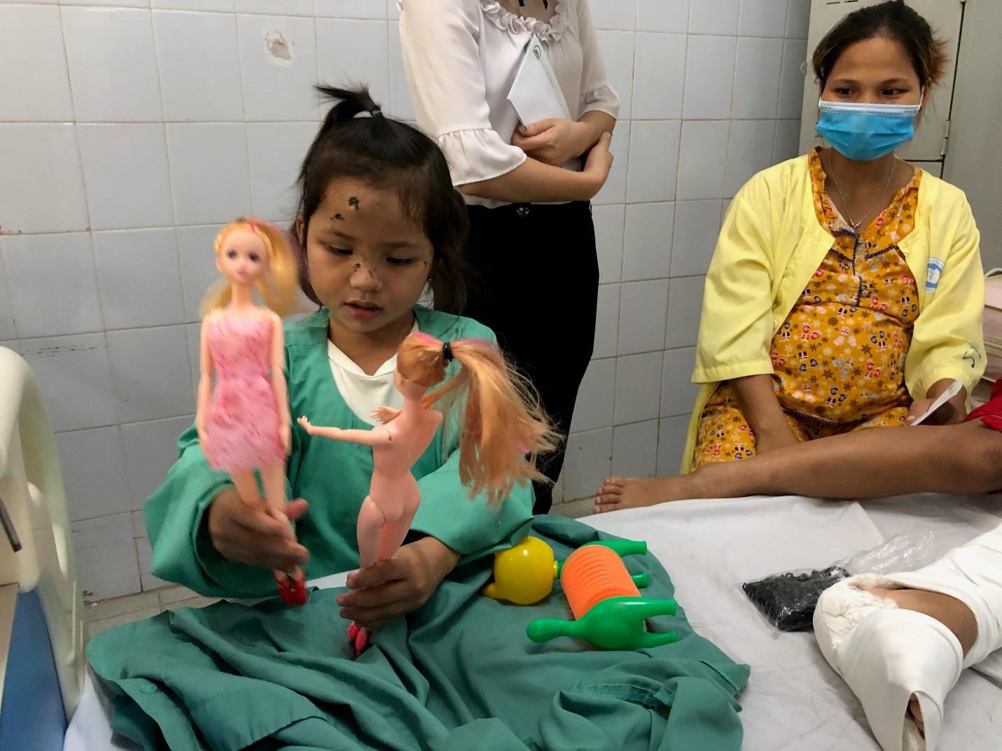 Tập đoàn Đất Xanh hỗ trợ đồng bào ở Quảng Nam dựng lại nhà sau bão 3