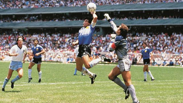 Maradona có phải danh thủ hay nhất mọi thời đại? 2