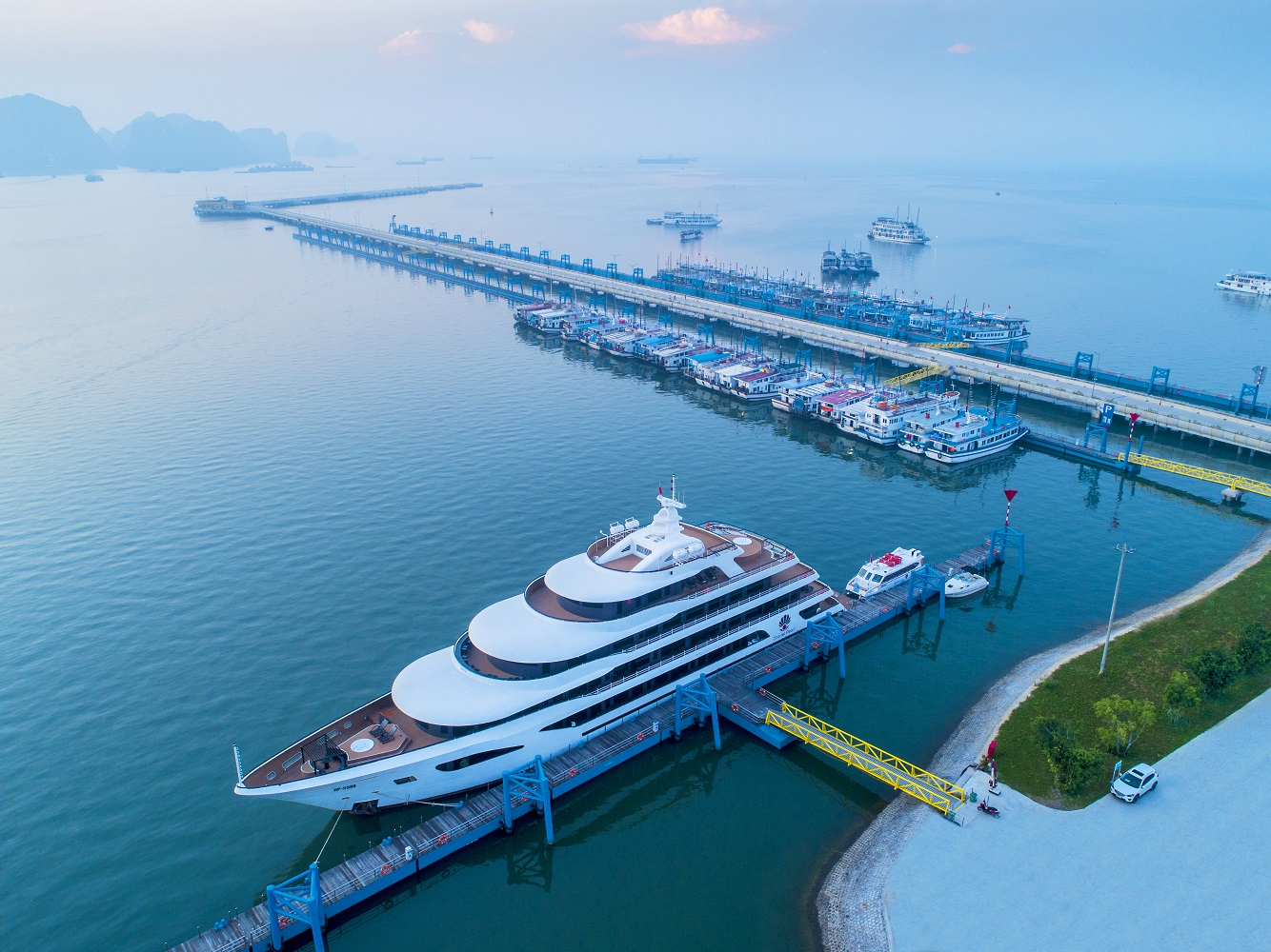 """WTA vinh danh cảng tàu khách quốc tế Hạ Long là """"Cảng tàu khách hàng đầu Châu Á"""" 2020 3"""