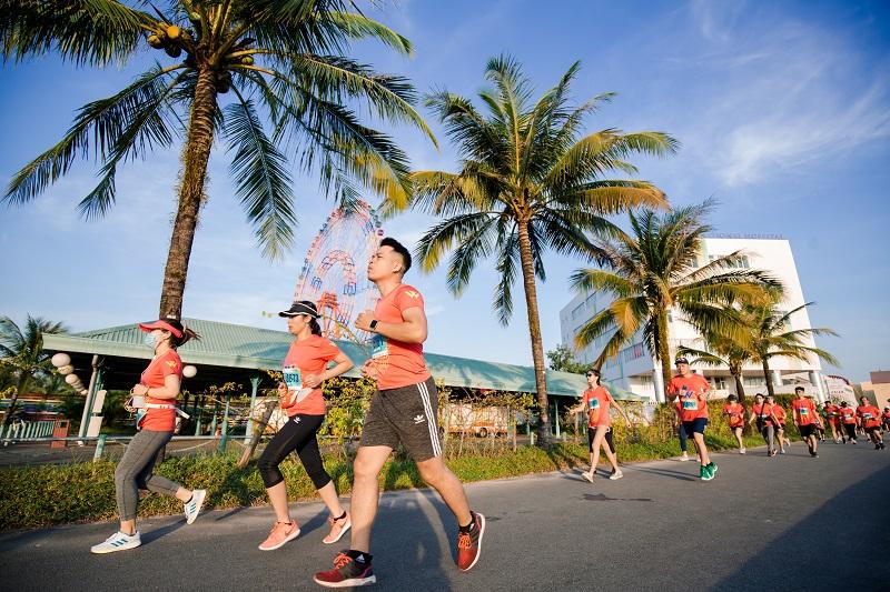 Choáng ngợp với vẻ đẹp thiên đường của đường chạy xuyên rừng, tựa biển tại Vinpearl Phú Quốc 7