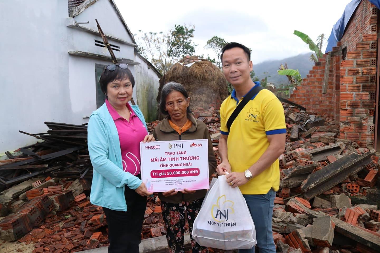 PNJ kịp thời hỗ trợ bà con Quảng Ngãi khắc phục hậu quả cơn bão số 9 4