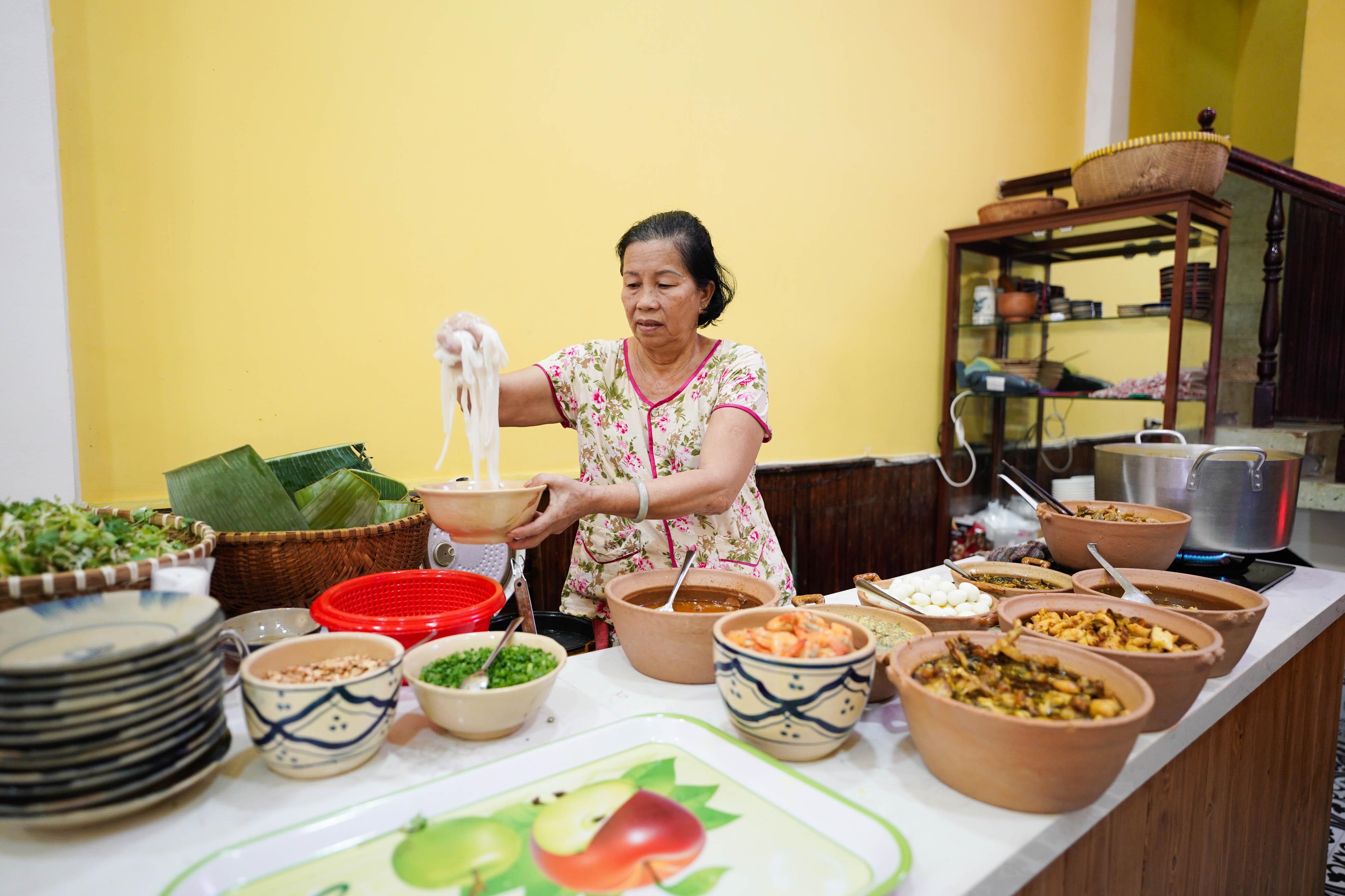 Mì Quảng Bà Mua – đệ nhất mì Quảng Đà Thành giữa lòng Sài Gòn 1