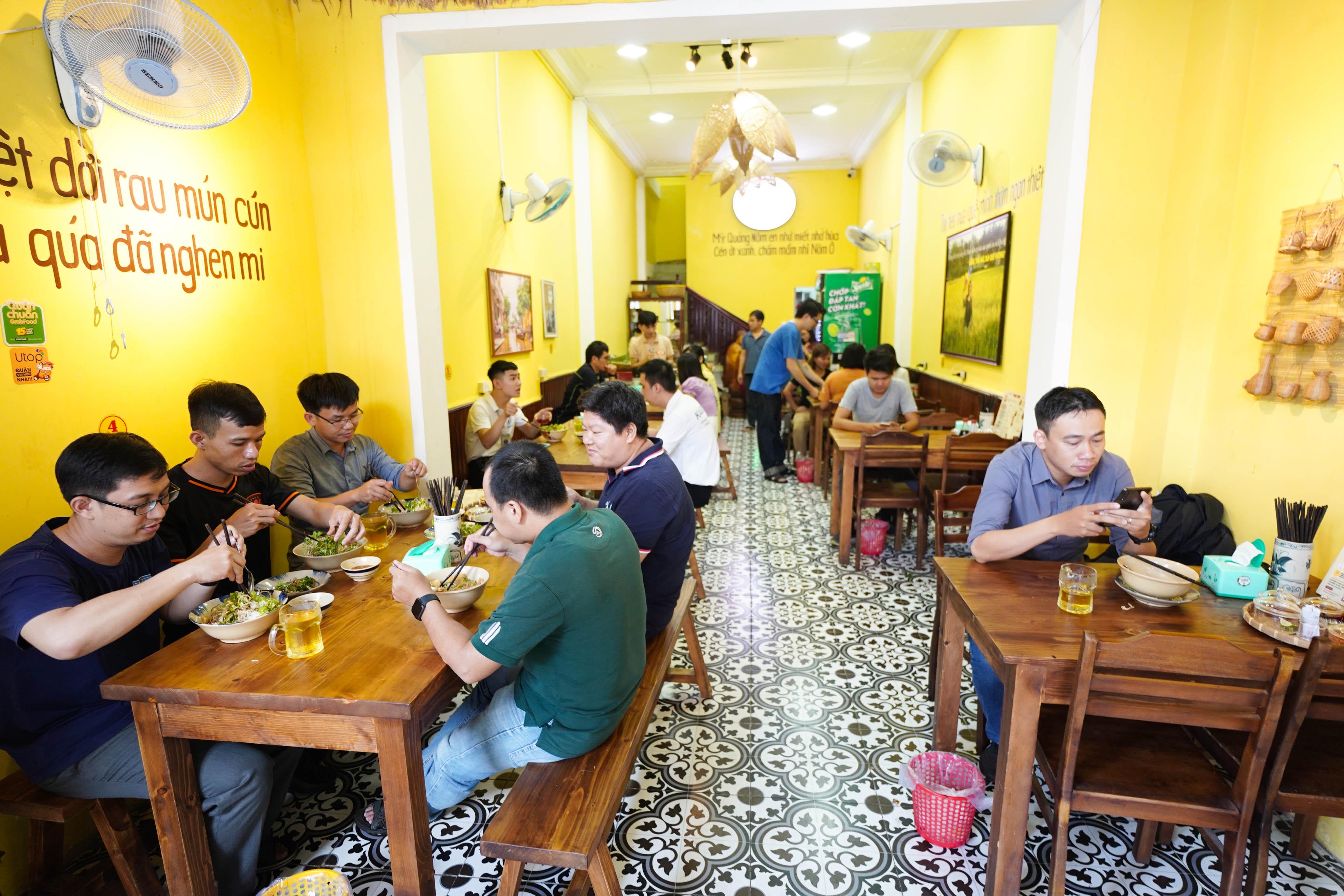 Mì Quảng Bà Mua – đệ nhất mì Quảng Đà Thành giữa lòng Sài Gòn 13