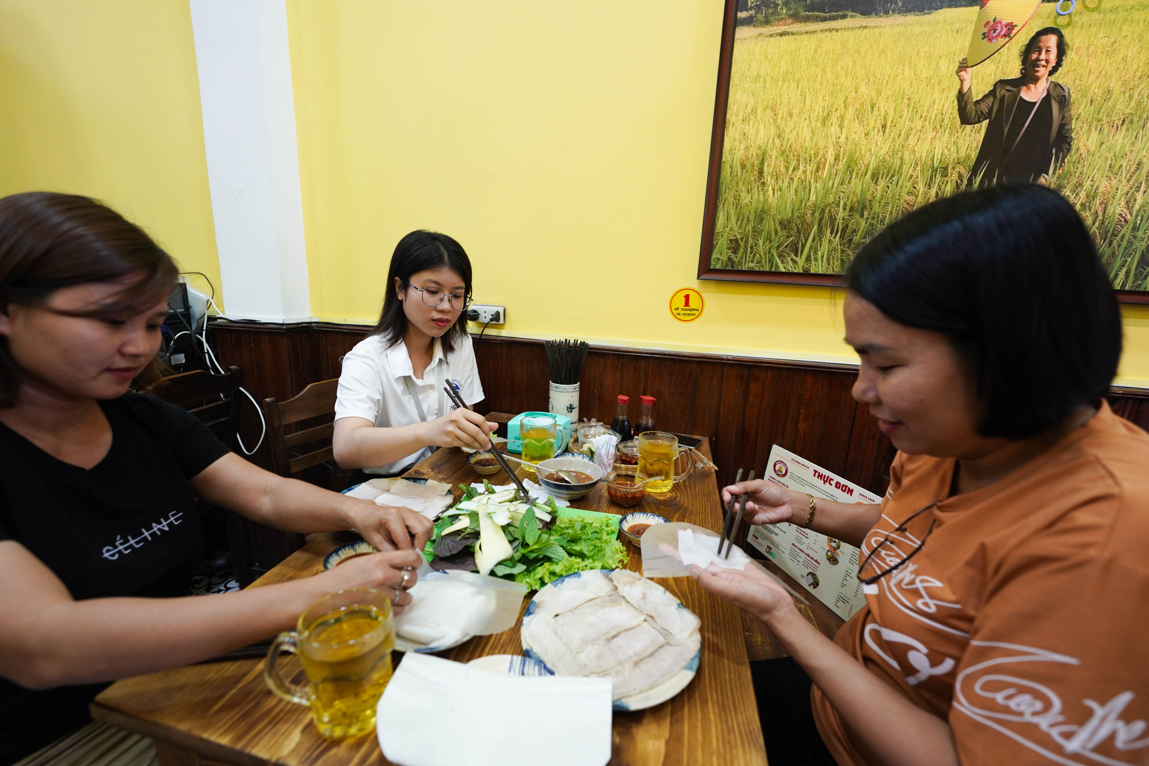 Mì Quảng Bà Mua – đệ nhất mì Quảng Đà Thành giữa lòng Sài Gòn 15