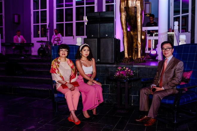 Hồi đầu tháng 3/2019, Đại sứ Phạm Sanh và gia đình có kỳ nghỉ tại Phú Quốc. Ảnh: Zingnews