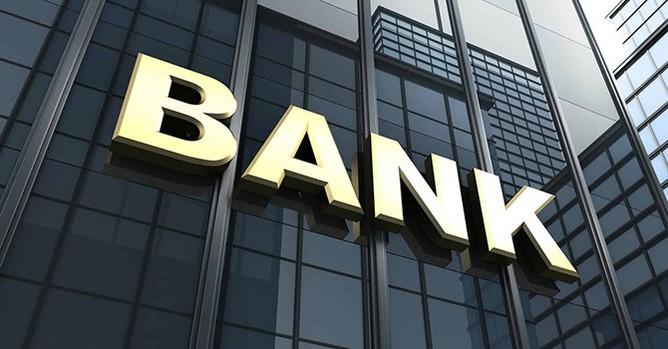 Các ngân hàng vẫn lãi lớn dù cho vay tăng chậm, nợ xấu tăng. Ảnh: Internet