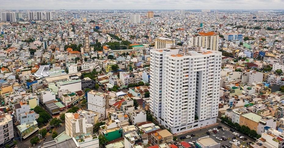 Dự án chung cư Tân Hương Tower tại phường Tân Quý, quận Tân Phú được đưa vào sử dụng từ năm 2014, chủ đầu tư là Công ty Chương Dương cam kết sẽ làm sổ hồng trong 2 năm nhưng đến nay đã 6 năm mà người dân vẫn chưa biết khi nào mới có được sổ hồng của căn nhà mình sinh sống. Ảnh: Zingnews
