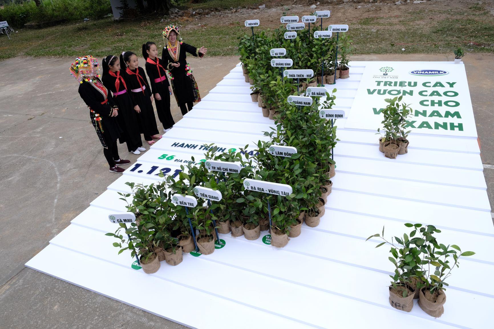 """Quỹ 1 triệu cây xanh cho Việt Nam của Vinamilk - Chương trình vì môi trường tạo được """"dấu ấn xanh"""" đặc biệt với cộng đồng 21"""