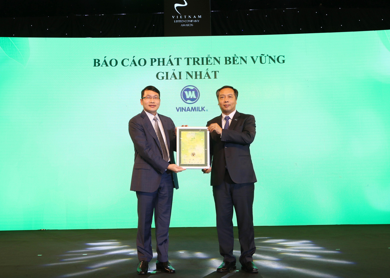 """Vinamilk - Doanh nghiệp đầu tiên và duy nhất của Việt Nam thuộc Top """"Tài sản đầu tư có giá trị của ASEAN"""" 4"""