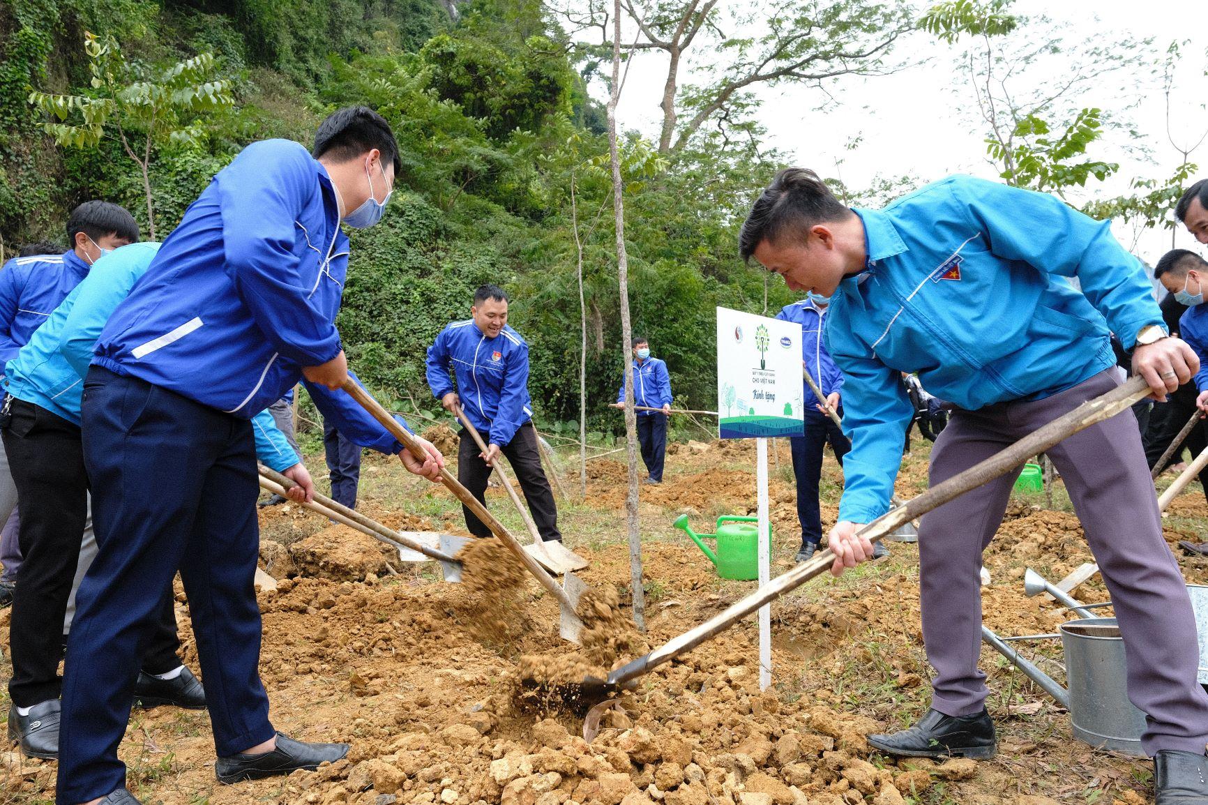 """Quỹ 1 triệu cây xanh cho Việt Nam của Vinamilk - Chương trình vì môi trường tạo được """"dấu ấn xanh"""" đặc biệt với cộng đồng 3"""