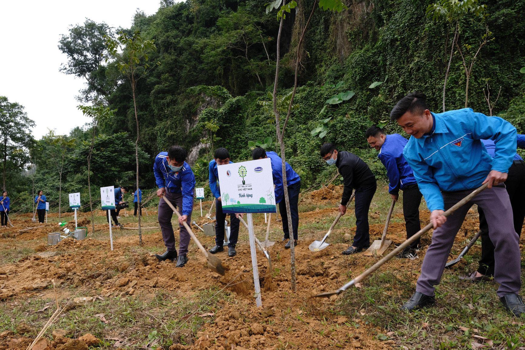 """Quỹ 1 triệu cây xanh cho Việt Nam của Vinamilk - Chương trình vì môi trường tạo được """"dấu ấn xanh"""" đặc biệt với cộng đồng 4"""