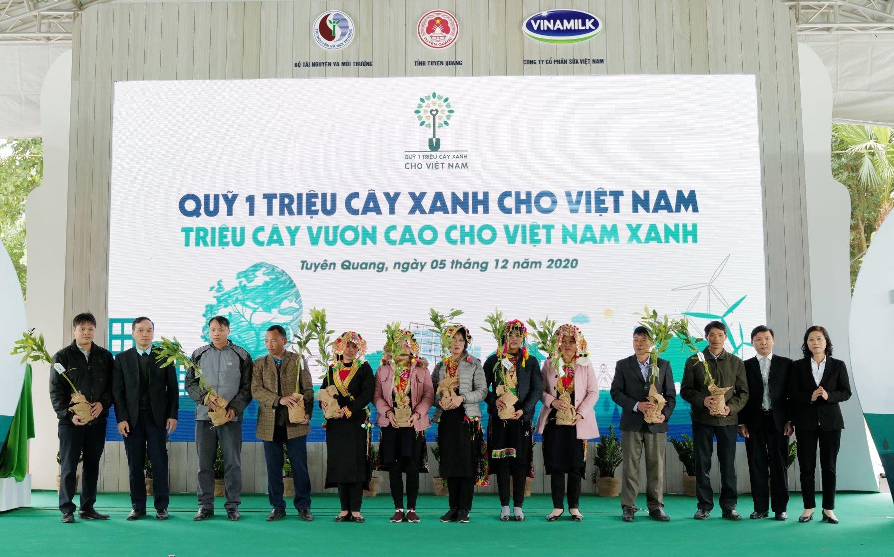 """Quỹ 1 triệu cây xanh cho Việt Nam của Vinamilk - Chương trình vì môi trường tạo được """"dấu ấn xanh"""" đặc biệt với cộng đồng 7"""