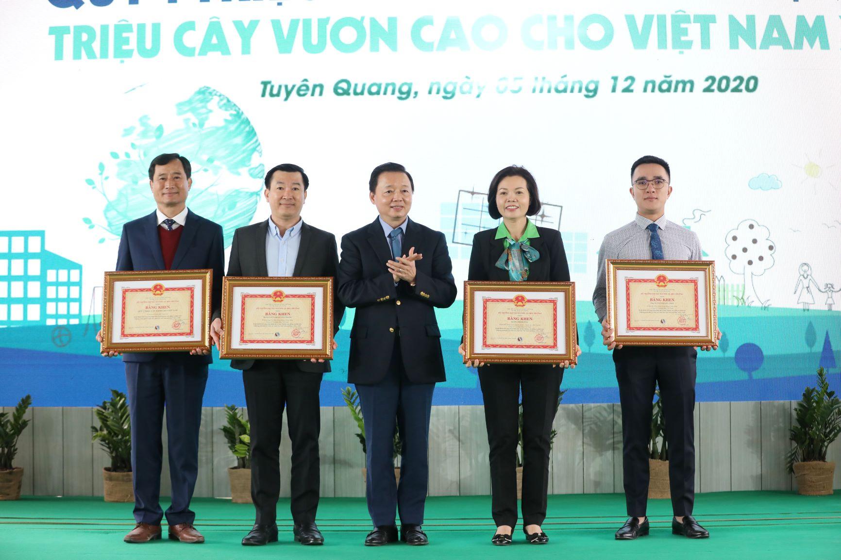 """Quỹ 1 triệu cây xanh cho Việt Nam của Vinamilk - Chương trình vì môi trường tạo được """"dấu ấn xanh"""" đặc biệt với cộng đồng 18"""