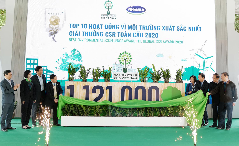 Vinamilk vững vàng vị trí dẫn đầu Top doanh nghiệp phát triển bền vững Việt Nam năm 2020 12