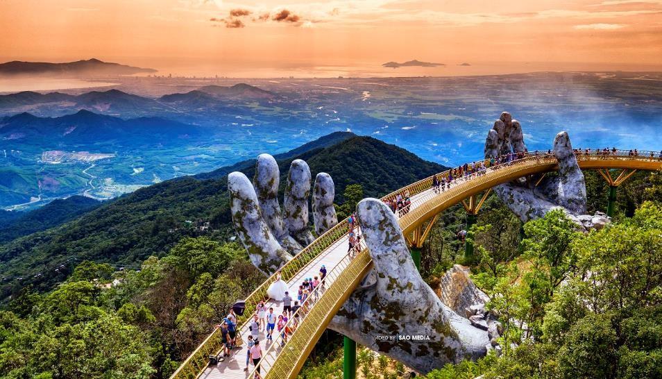 Ngắm những hình ảnh này, dễ hiểu vì sao Cầu Vàng được World Travel Awards vinh danh 11