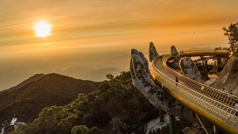 Ngắm những hình ảnh này, dễ hiểu vì sao Cầu Vàng được World Travel Awards vinh danh 5