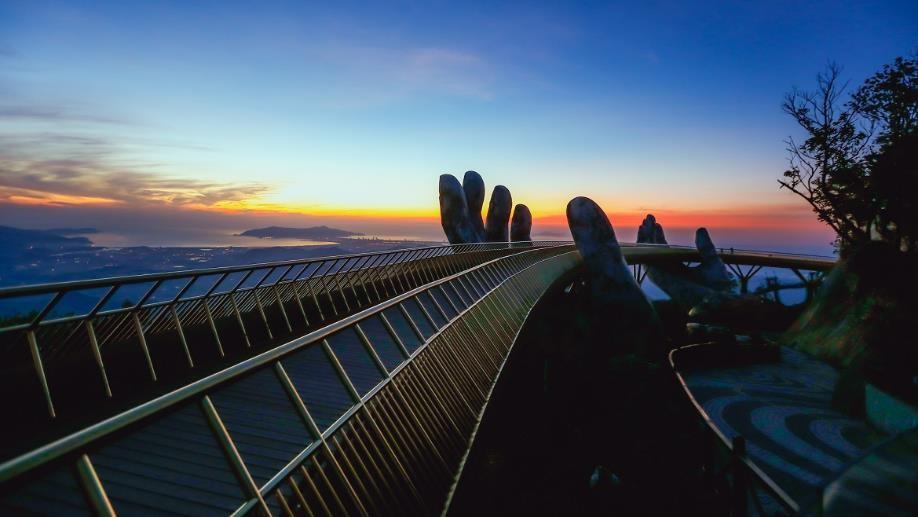 Ngắm những hình ảnh này, dễ hiểu vì sao Cầu Vàng được World Travel Awards vinh danh 6