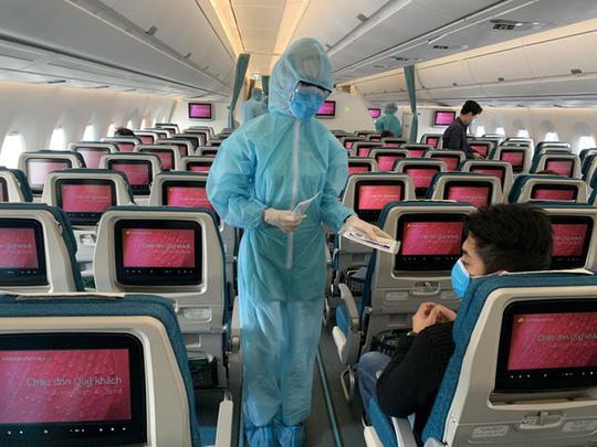 Vietnam Airlines than khó cho mình đẩy nguy hiểm cho cộng đồng sao? 2