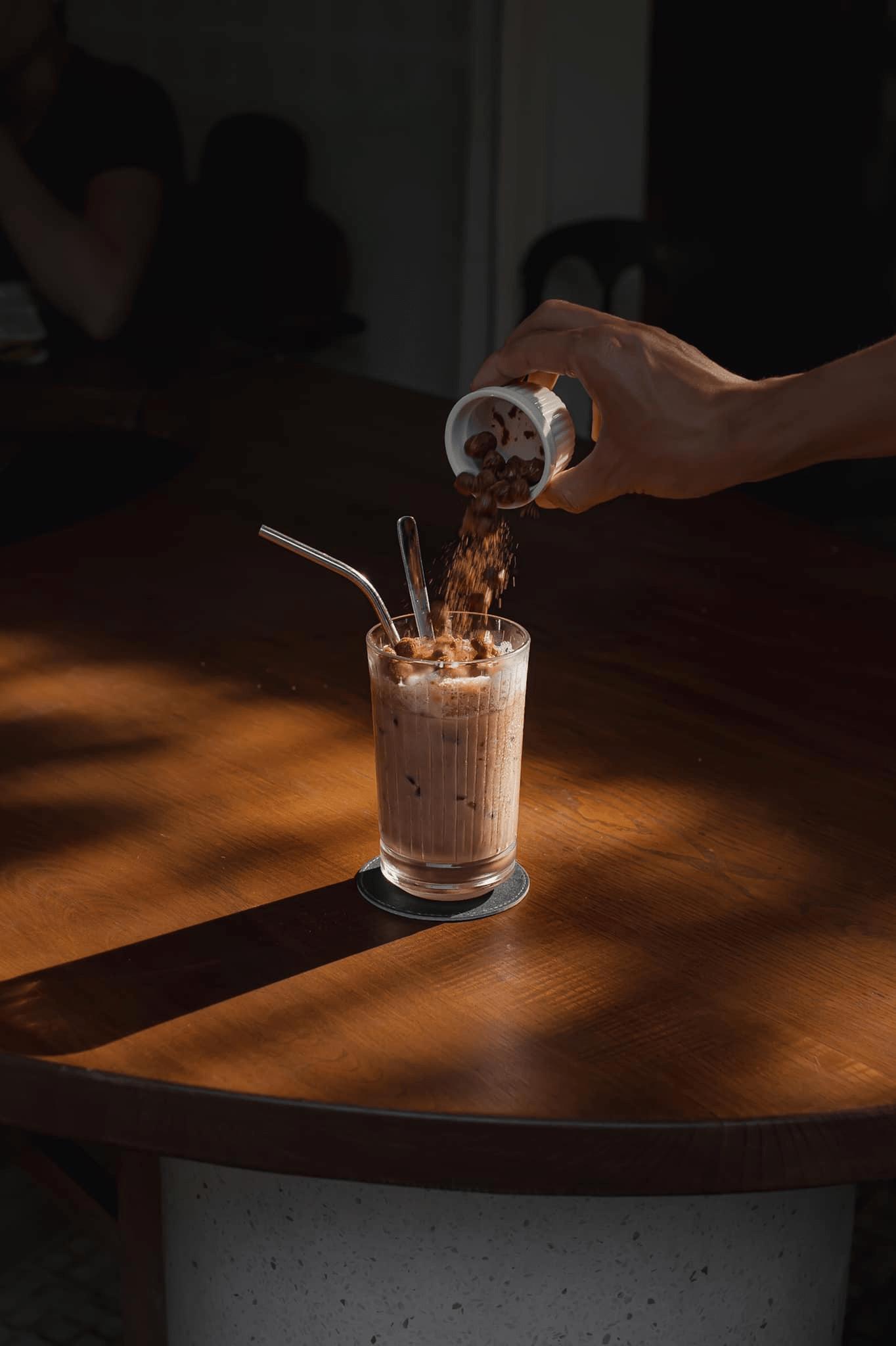 ZERAFFE COFFEE - Ghé Sài Gòn thăm chú ngựa vằn cao cổ 11