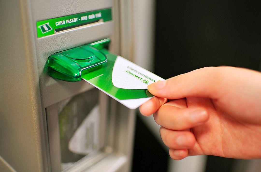 Cuộc đua miễn phí giao dịch ngân hàng - có lợi cho ai? 5