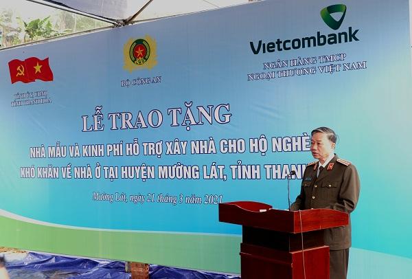 Vietcombank dành 30 tỷ đồng hỗ trợ xây nhà cho hộ nghèo, khó khăn tại huyện Mường Lát 1