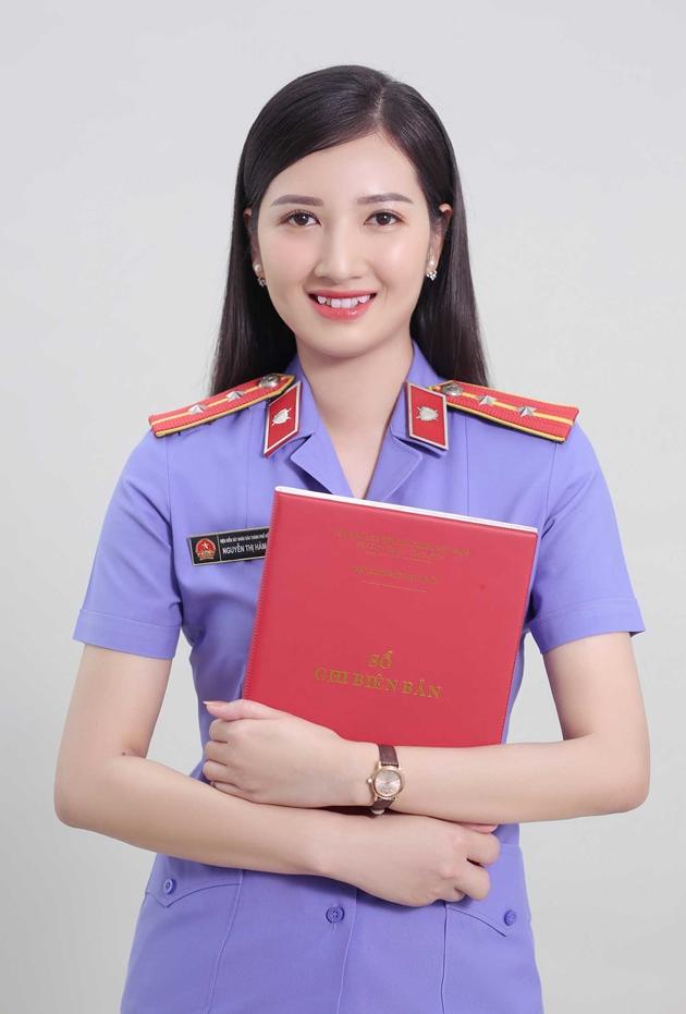 """Nữ chuyên viên VKSND TP Hồ Chí Minh """"đốn tim"""" cộng đồng mạng 5"""