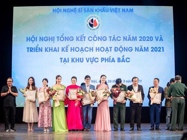"""""""Viên ngọc cải lương"""" Như Huỳnh gặt hái giải thưởng Hội Nghệ sĩ Sân khấu Việt Nam 6"""