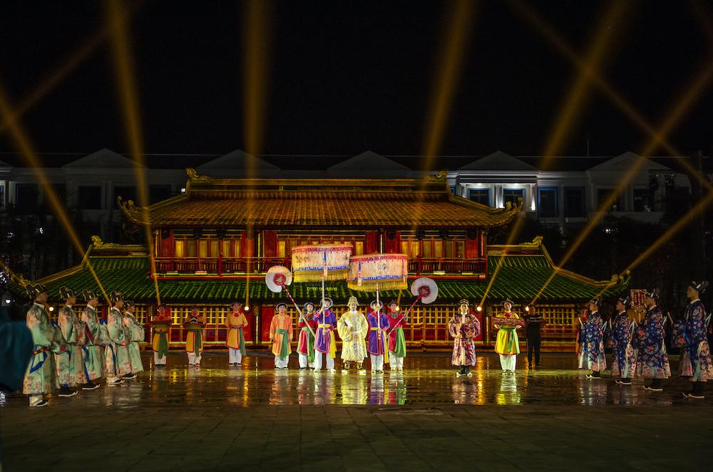 """Hàng vạn du khách háo hức """"check-in"""" 5 kỉ lục Việt Nam tại Phú Quốc United Center 10"""