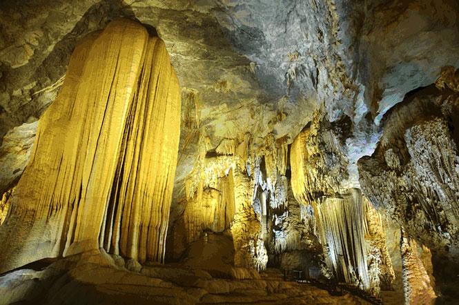 Những hang động kỳ vĩ ở Hòa Bình 1