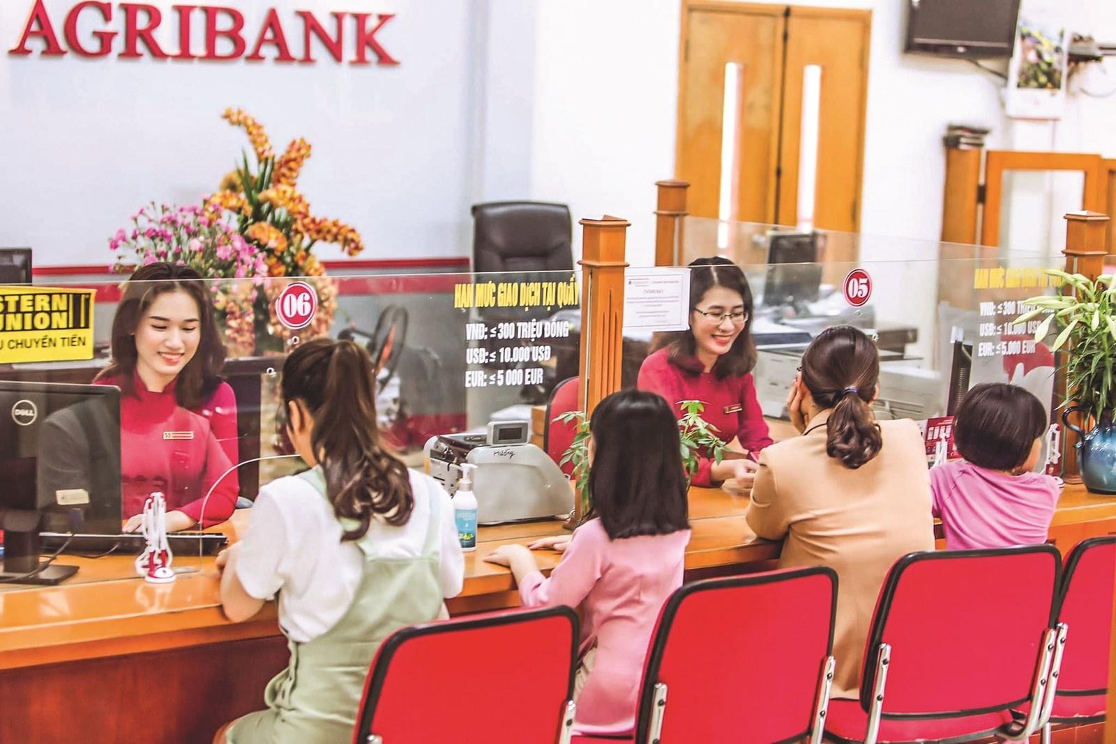 """Cổ đông Vietcombank, VietinBank và BIDV sẽ sớm được """"nhận quà""""? 1"""