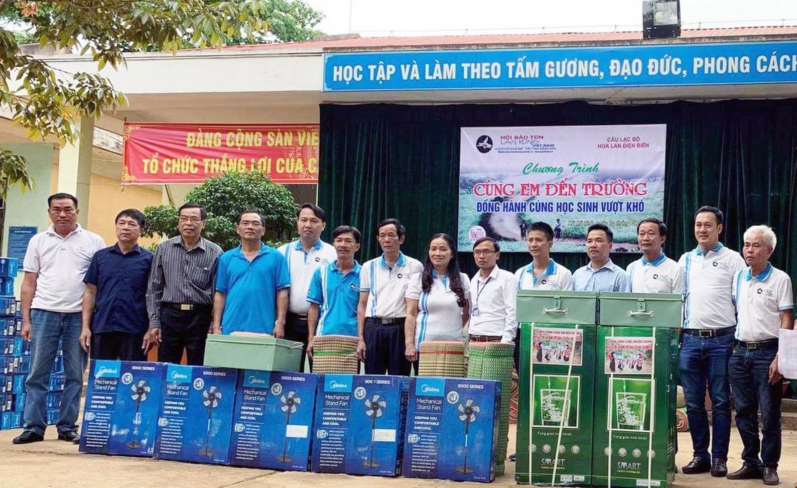 Hoài Phương, Minh Dự, Stefan Nguyễn giúp người nghèo đổi đời 3