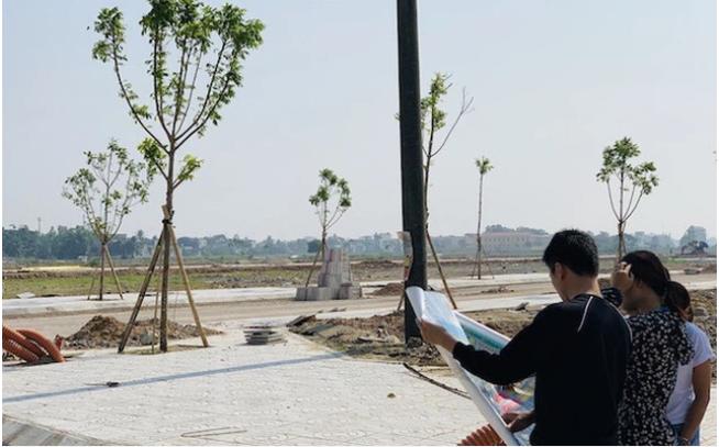 """Thanh Hoá """"sục sôi"""" trong cơn sốt đất, người người nhà nhà đi làm môi giới 3"""