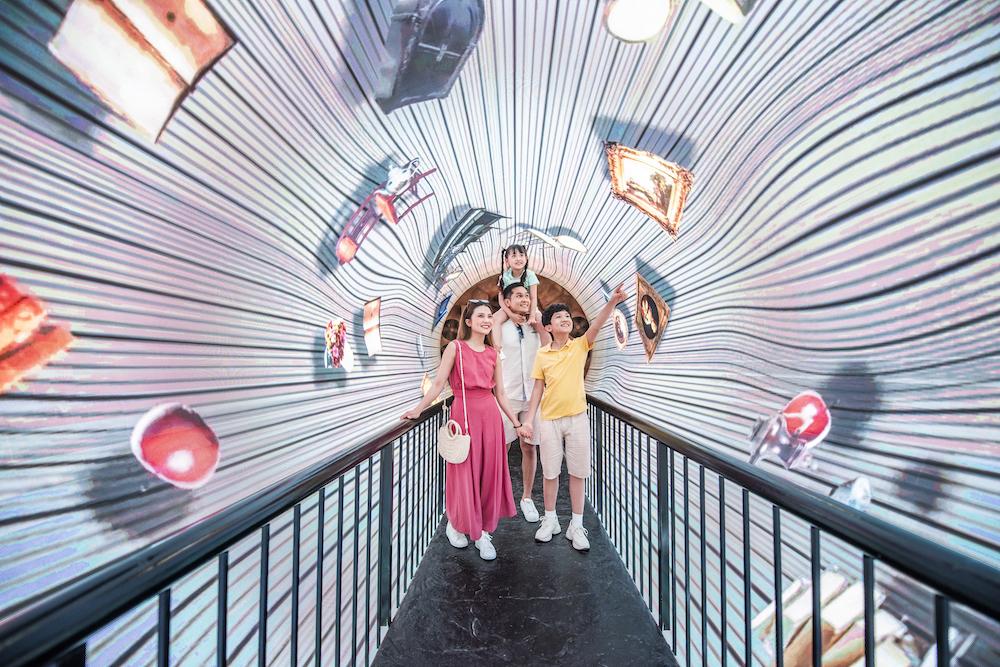 """Hàng vạn du khách háo hức """"check-in"""" 5 kỉ lục Việt Nam tại Phú Quốc United Center 14"""