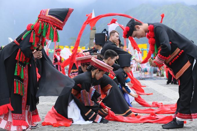 Hút khách về miền Tây Bắc hè này, Lào Cai tung loạt ưu đãi khủng tới 70% 6