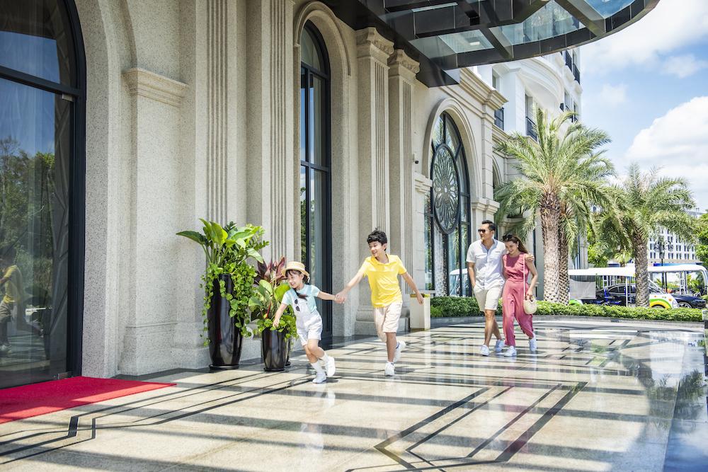 """Hàng vạn du khách háo hức """"check-in"""" 5 kỉ lục Việt Nam tại Phú Quốc United Center 17"""