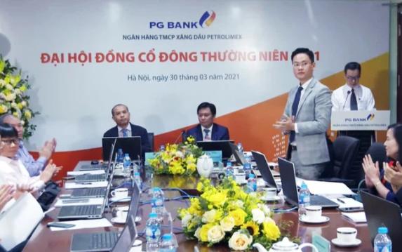 Đại hội cổ đông PGBank đã thông qua việc dừng sáp nhập với HDBank. Ảnh: S.T