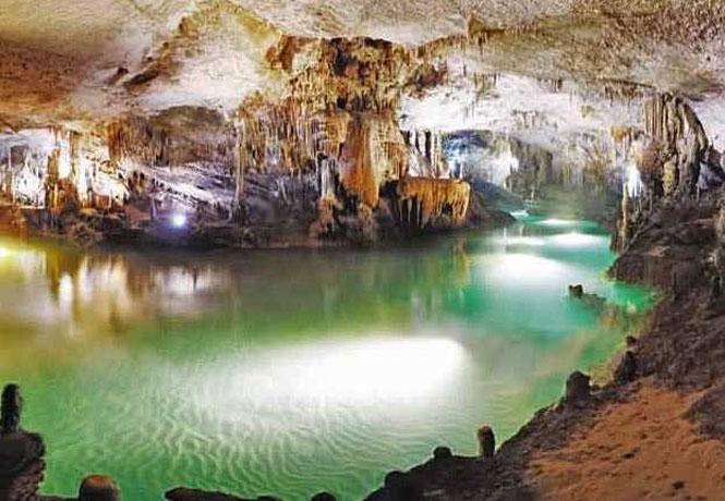 Những hang động kỳ vĩ ở Hòa Bình 3